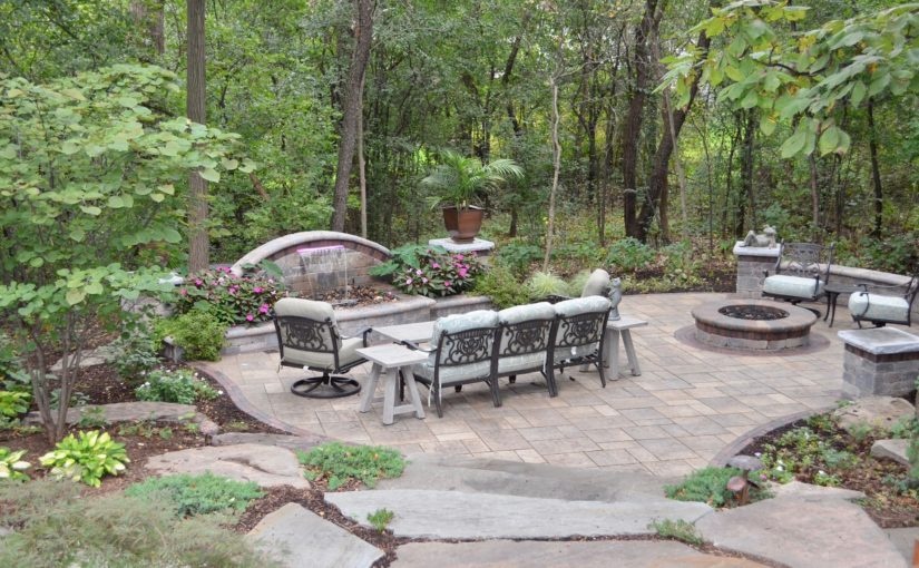 Lovely Case Study: Bartlett Outdoor Entertainment Area